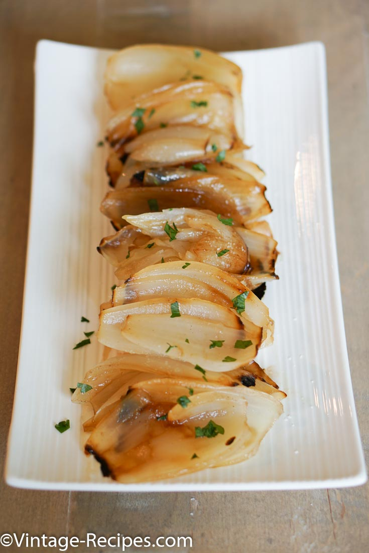 Make amazing grilled onions, they are perfect for you next barbeque.